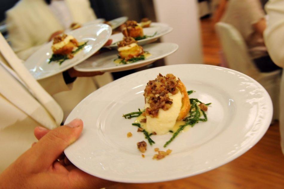 generica ristorante camerieri - assunzioni