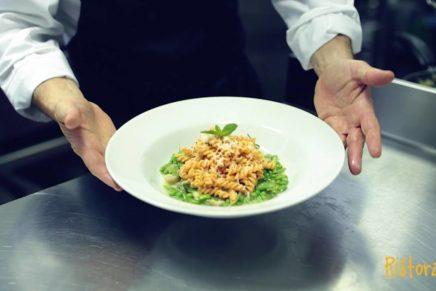 Fusilli Farmo alle lenticchie rosse nella ricetta di Roberto Carcangiu